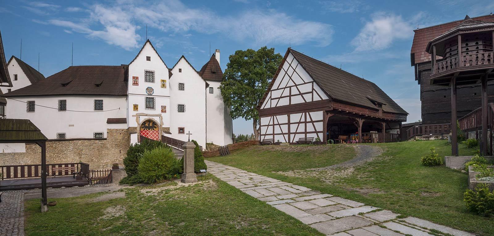 Hrad-Seeberg-00.jpg