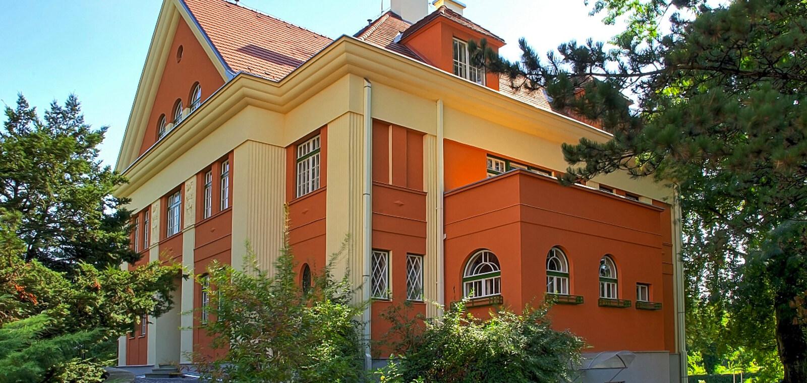 Krnov-flemichova-vila-teser-01.jpg