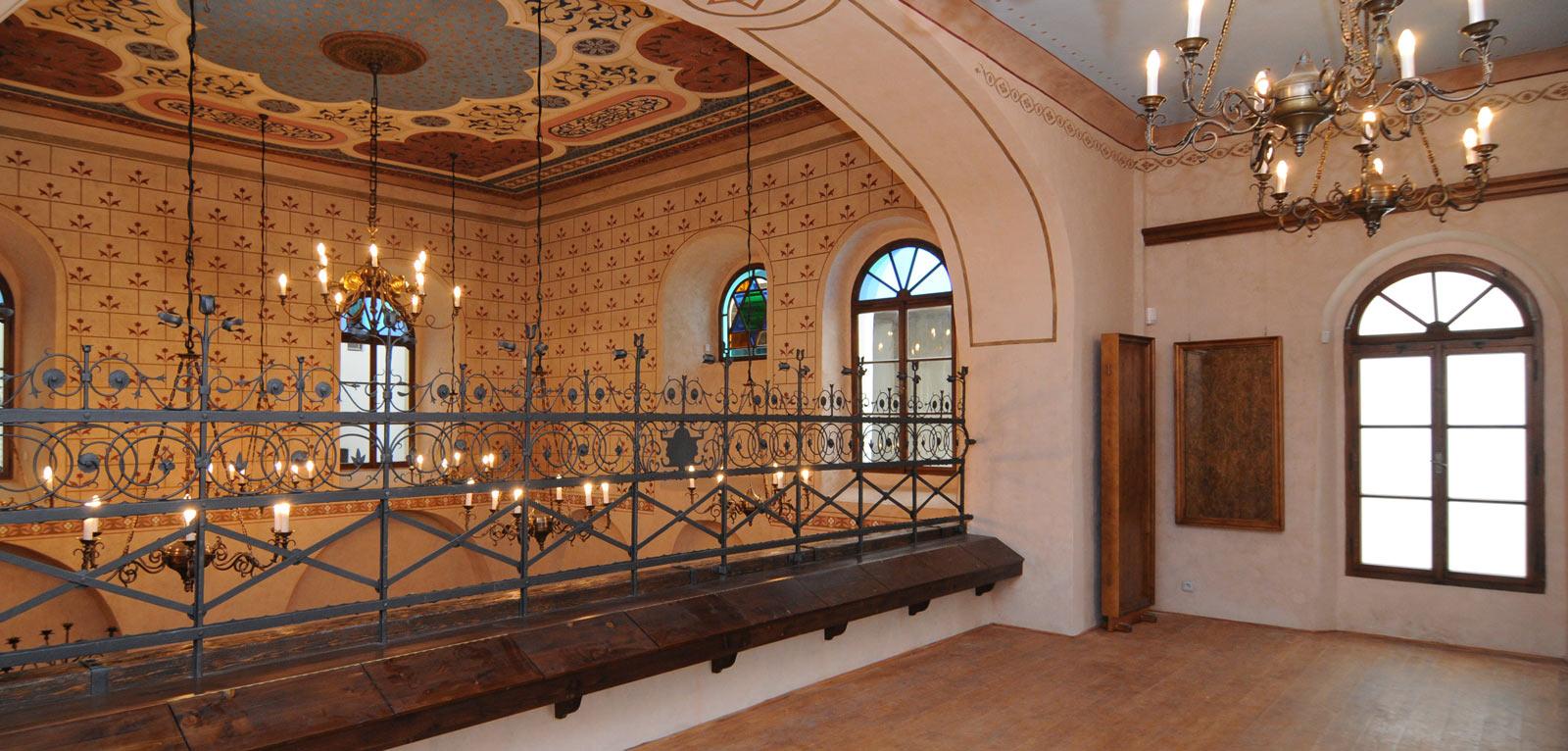 Synagoga-Turnov-00.jpg